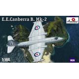 Бомбардировщик E.E. Canberra B. Mk-2 (AMO1426) Масштаб:  1:144
