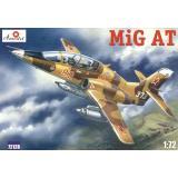 Учебно-тренировочный российский самолёт МиГ-АТ (AMO72128) Масштаб:  1:72