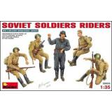 MA35055  Soviet soldiers riders (Фігури)