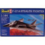 Истребитель Стелс F-117 (RV04037) Масштаб:  1:144
