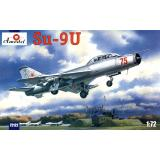 Учебный самолет Сухой Су-9У (AMO72122) Масштаб:  1:72