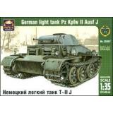 Немецкий легкий танк Т-II J (ARK35007) Масштаб:  1:35
