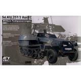 Sd. Kfz. 251/3 Ausf. C  (commander Vehicle) (AF35S50) Масштаб:  1:35