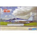Учебно-тренировочный самолет Sukhoi Su-28 (ART7211) Масштаб:  1:72
