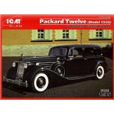 ICM35535  Packard Twelve (Model 1936) with passengers