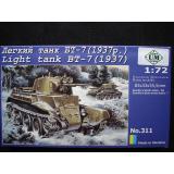 Советский легкий танк БТ-7 (1937) (UMT311) Масштаб:  1:72