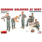 MA35062  German soldiers at rest (Фігури)