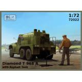 Грузовик Diamond T 968A с цистерной для перевозки асфальта 1:72