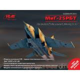Самолет-разведчик МиГ-25 РБТ 1:48