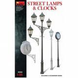 Уличные фонарные столбы с уличными часами 1:35