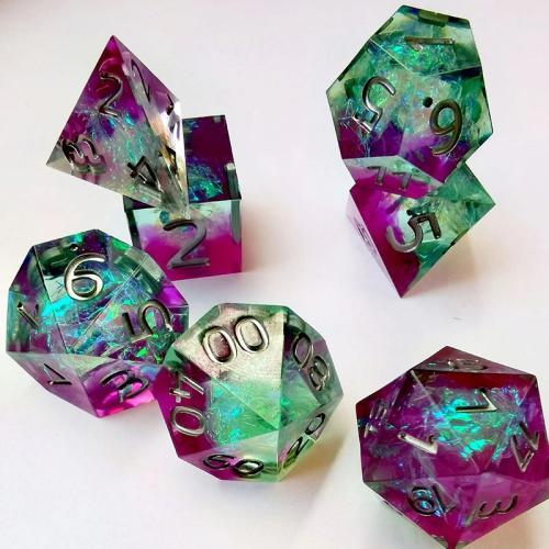 Набор кристальных кубиков RPG из смолы ручной обработки 7 шт + ПОДАРОК
