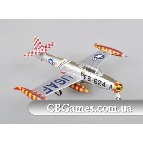 Истребитель-бомбардировщик F84E Thunderjet (EM37107)