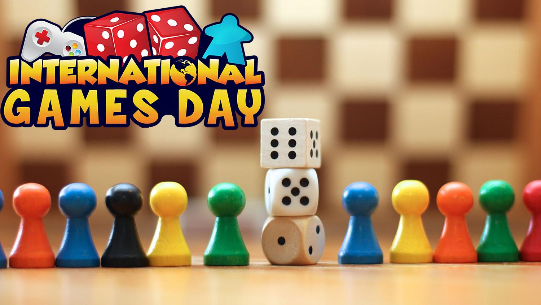 Всемирный день настольных игр в магазине FunAttic | 844x1500